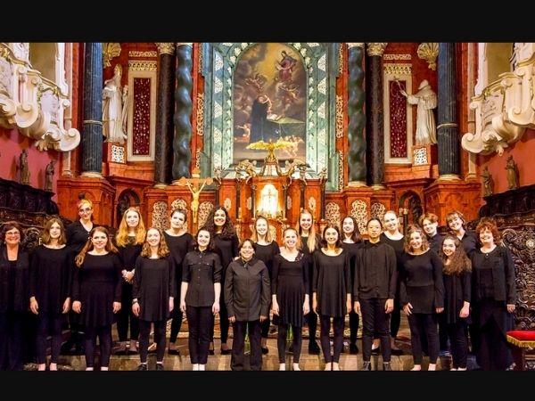Portland Symphonic Girlchoir group photo courtesy of their website