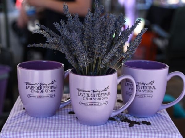 Lavender in mugs